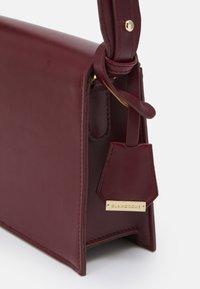 Glamorous - Across body bag - burgundy - 3