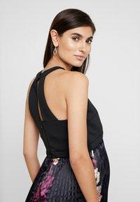 Chi Chi London Maternity - ARDEN DRESS - Robe d'été - black - 4