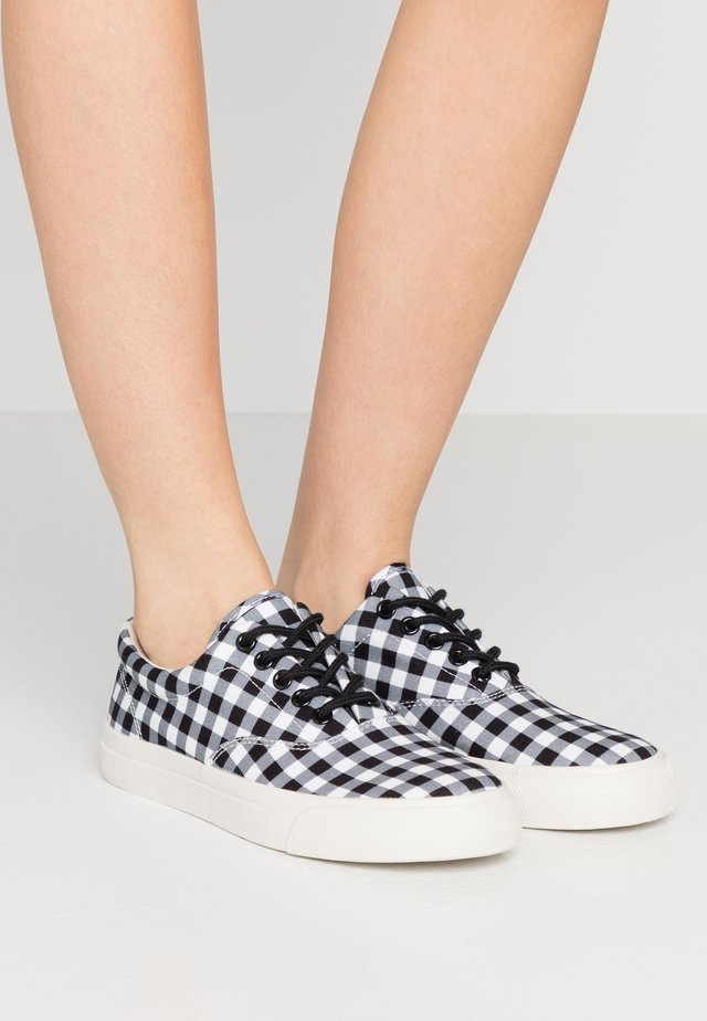 GINGHAM - Baskets basses - black/white