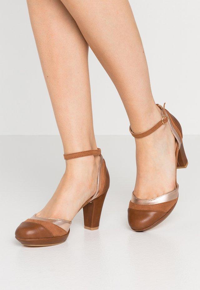 Zapatos de plataforma - cognac/bronze