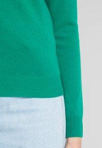 Benetton - TURTLE NECK - Sweter - green - 5