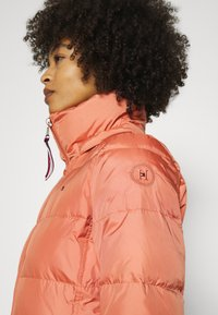 Tommy Hilfiger - BAFFLE - Doudoune - clay pink - 5
