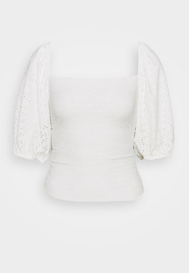 MILKMAID BRODERIE CROP - Print T-shirt - white