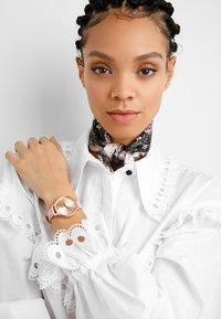 Olivia Burton - SUNRAY DIAL SET - Watch - dusty pink - 1