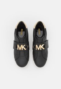 MICHAEL Michael Kors - KENNA - Tenisky - black/gold - 4