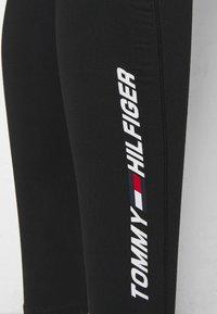 Tommy Hilfiger - GRAPHIC LEGGING - Collants - black - 5
