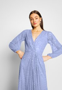 Sista Glam - DAISIANNE - Společenské šaty - blue - 3