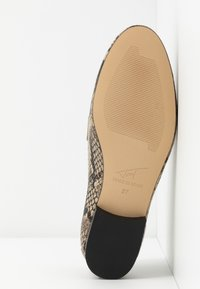 Toral Wide Fit - Mocasines - bosco bege