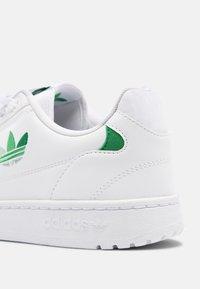 adidas Originals - NY 90 UNISEX - Matalavartiset tennarit - white/green/vivid green - 6