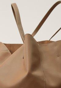 Massimo Dutti - Torba na zakupy - beige - 4