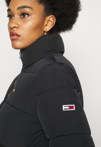 Tommy Jeans - MODERN PUFFER JACKET - Winter jacket - black - 4