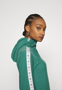 Eivy - ICECOLD ZIP HOOD - Long sleeved top - green - 3
