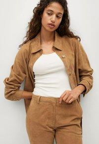 Mango - Leather trousers - mittelbraun - 5