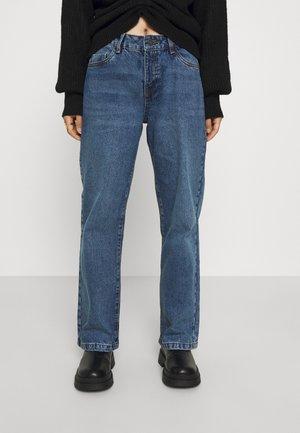 NMAMANDA WIDE - Relaxed fit jeans - medium blue denim