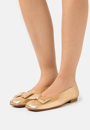 Ballerina's - wash golden