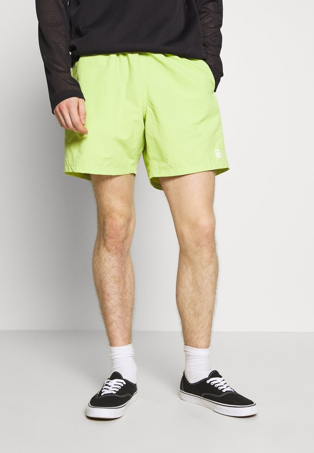 EASY RELAXED - Shorts - key lime