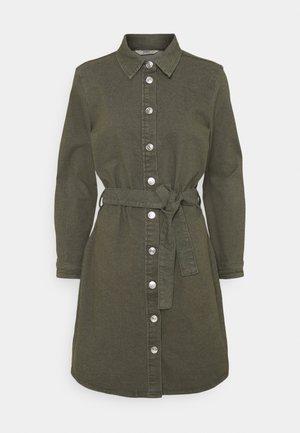 ONLLAUREL LIFE FRILL DRESS - Vestido camisero - kalamata