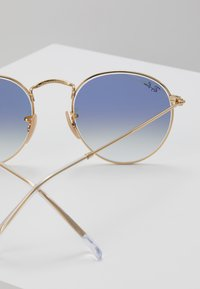 Ray-Ban - 0RB3447N - Solbriller - gold-coloured - 2