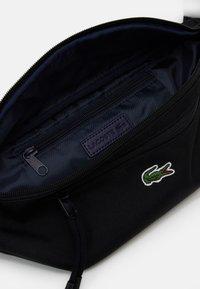 Lacoste - WAIST BAG UNISEX - Bum bag - black - 2