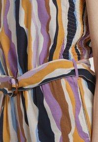 TOM TAILOR DENIM - OVERALLS STREIFENMUSTER - Jumpsuit - wavy multicolor stripes - 3