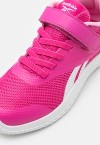 Reebok - RUSH RUNNER 3.0 UNISEX - Neutral running shoes - pink/light pink/white - 5