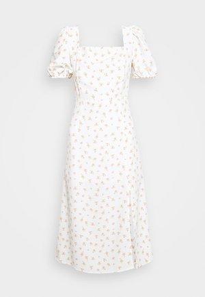 TIE BACK MIDI DRESS WITH PUFF SHORT SLEEVES SQUARE NECKLINE - Korte jurk - white/pink