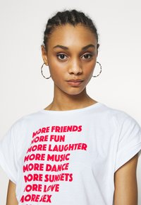 Dedicated - TVISBY MORE - Print T-shirt - white - 4