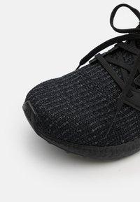 adidas Originals - ULTRABOOST 4.0 DNA UNISEX - Trainers - core black/grey six - 5