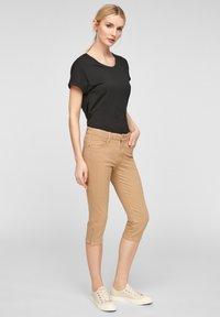 s.Oliver - Denim shorts - sand - 1