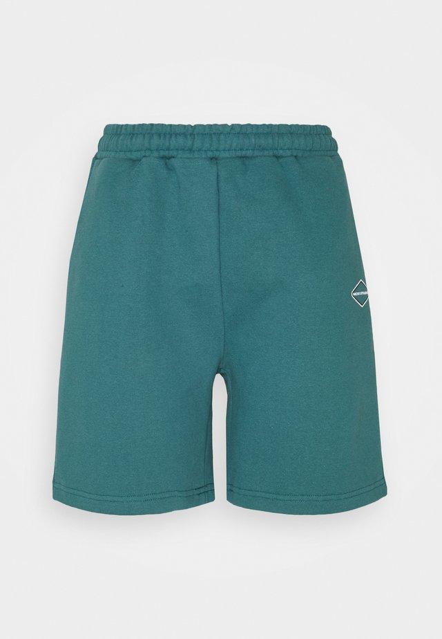 LOGOCOLLAGE - Shorts - swampgreen