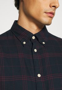 Selected Homme - SLHSLIMFLANNEL SHIRT - Shirt - dark sapphire/port royale - 5