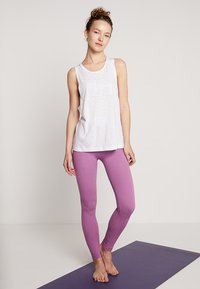 Hey Honey - TANK BREATHE EASY  - Top - white - 1