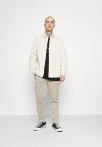 Topman - TWILL - Overhemd - ecru - 1
