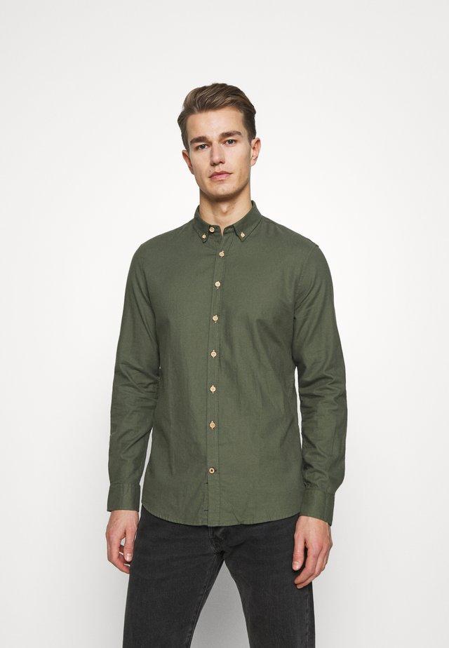 JOHAN DIEGO - Shirt - army