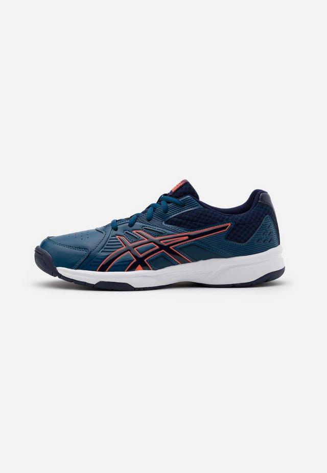 COURT SLIDE - Chaussures de tennis toutes surfaces - mako blue/peacoat