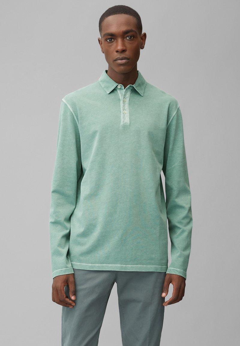 Marc O'Polo - LONG SLEEVE FLATLOCK DETAILS - Polo shirt - green bay