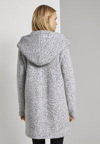TOM TAILOR DENIM - BOUCLE COAT WITH HOOD - Klasický kabát - grey - 2