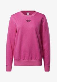 Reebok Classic - CLASSICS LOGO CREW - Sweatshirt - pink - 5
