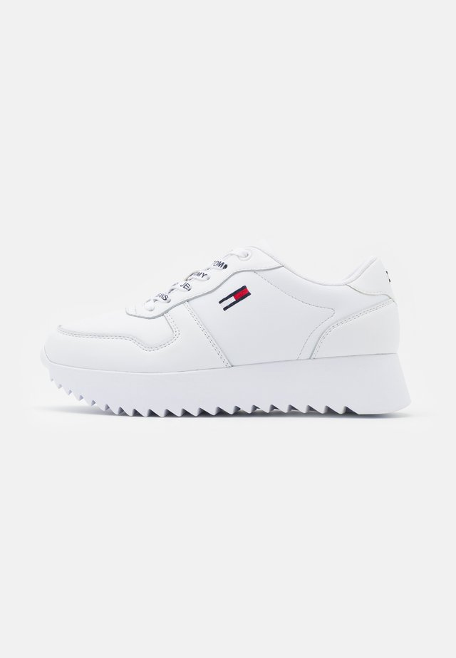 HIGH CLEATED  - Sneakers laag - white