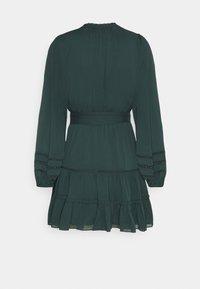 Forever New Petite - RHIANNA BLOUSON SLEEVE SKATER DRESS - Shirt dress - forest green - 1