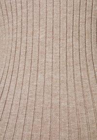 PIECES Tall - PCGILAYA HALF PLACKET  - Jumper - warm taupe - 2
