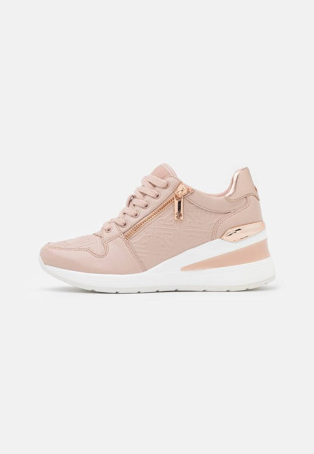 JERESA - Sneakers laag - light pink