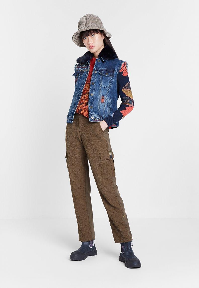 Desigual - CHAQ_EXOTIC KEELER - Denim jacket - blue