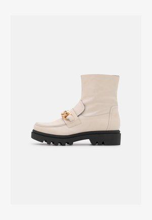 KIARA - Kotníkové boty na platformě - offwhite