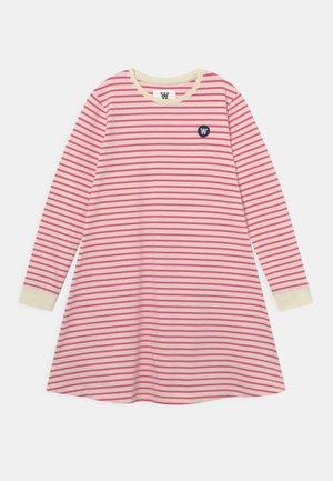 AYA DRESS - Jerseykjoler - off-white/pink
