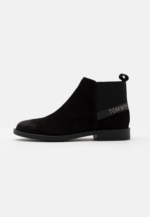 ESSENTIAL CHELSEA - Ankle boots - black