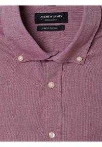 Andrew James - Shirt - himbeer - 2