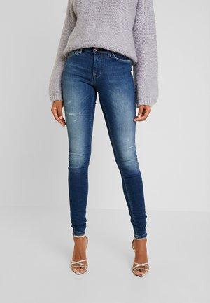 ONLCARMEN REG - Jeans Skinny Fit - dark blue denim
