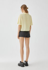 PULL&BEAR - Button-down blouse - yellow - 2