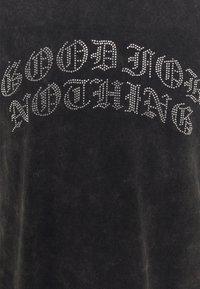 Good For Nothing - ACID WASH RHINESTONE UNISEX - T-shirt med print - grey - 2
